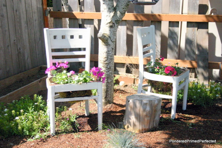 http-::www.goodhousekeeping.com:home:craft-ideas:how-to:g1358:repurposing-old-chairs:?slide=5