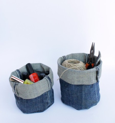 Image Courtesy: http://cdn.diys.com/wp-content/uploads/2015/07/DIy-Denim-Bucket.jpg