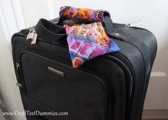 Image Courtesy: http://www.crafttestdummies.com/how-to-luggage-accessories-using-recycled-neckties/