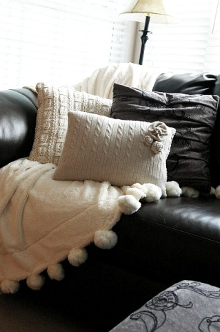 Image Courtesy: http://www.brassyapple.com/2011/01/diy-sweater-pillows-cozy-up.html
