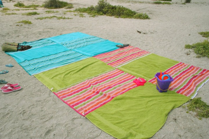 Image Courtesy: http://www.chicaandjo.com/wp-content/uploads/2008/05/beach_blankets.jpg