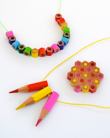 Image Courtesy: https://www.designmom.com/diy-colored-pencil-jewelry/