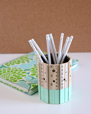 Image Courtesy: http://eighteen25.com/2014/08/this-pencil-holder-rules/