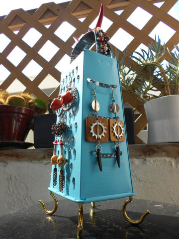 Image Courtesy: http://www.justdiy.com/upcycled-kitchen-utensils/